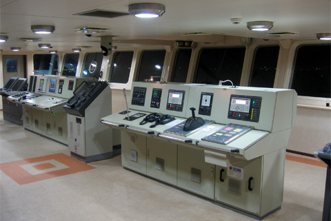 Navigation-Bridge-Consoles-06